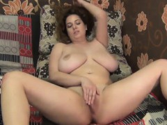thick-girl-with-big-and-saggy-breasts