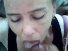 cheating-amateur-milf-sucks-and-facial