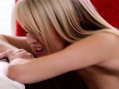 unbelievably-fluent-lesbian-babes-inserting-tongues-there