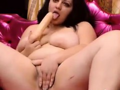 horny-fatty-rubs-her-pussy