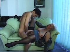 sexy mom needs a strong cock – ناك مرات ابوه فى كسها