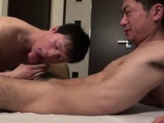 showering-asian-drips-cum