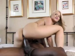 anikka-albrite-enjoys-anal-fucking-at-cuckold-sessions
