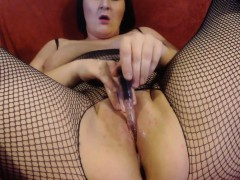 my-mature-wife-takes-a-cum-meal-in-our-car