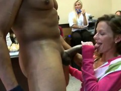blowjobs-from-the-group-of-girls