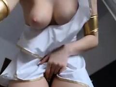cam-slut-teasing-her-pussy