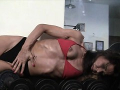 mature-muscular-valerie-in-the-gym