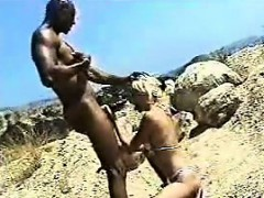 blonde-fucks-the-black-guy