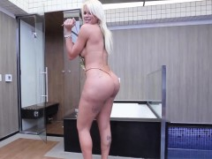 teasing-tgirl-amateur-showing-off-her-booty