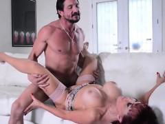 Latin MILF Sexxy Vanessa Sucks and Fucks Tommy Gunn