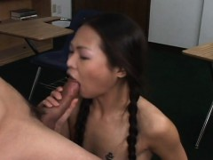 asian-schoolgirls-with-a-shaven-pussy-gets-fucked
