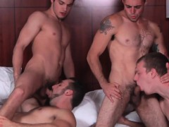 muscles-in-group-sucking-thick-cock