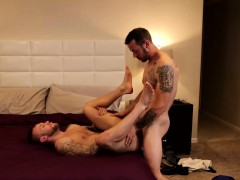 damien-michaels-loves-to-receive-a-cock-from-mark-long