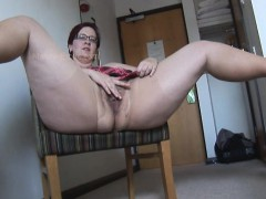 Busty Mature Bbw In Pantyhose And Mini Skirt