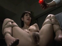 pouring-wax-on-her-wet-pussy-and-she-loves-the-bdsm-stuff