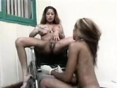 ebony-lesbian-creamy-squirt-in-mouth