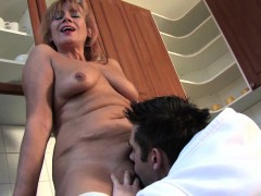 hairy mature lady gets her vagina filled with young dick