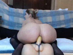 hot-babe-rides-dildo-on-webcam