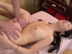 delicious vesna has her pussy plugged