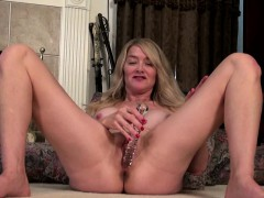 big titted american mature toying herself WWW.ONSEXO.COM