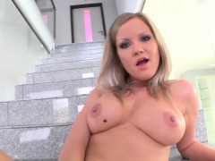 givemepink-blonde-sunny-diamond-stuffs-her-pussy-full-of
