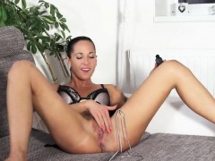 Kinky Czech Nympho Gapes Her Narrow Vagina To The Peculiar