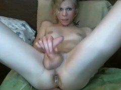 Sexy Transgender With Big Plug In Her Ass Webcam