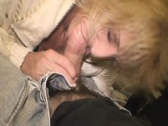 toothless-mature-blonde-street-whore-sucking-dick-pov