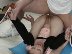 teen-stefanie-gets-boned-by-hung-gym-instructor