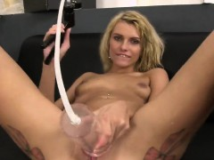 Fantastic Sweetie Is Pissing And Pleasing Shaved Snatch  Online