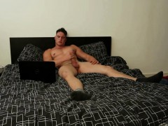 twink-amateur-harry-coniston-beats-off