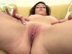 casani-lei-playing-with-her-pussy-solo
