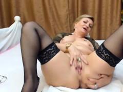 mature in webcam on atafilm com