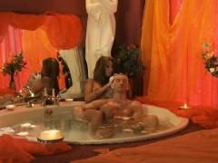 Intense Handjob Massage From Turkey