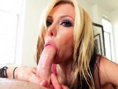 slut-gives-fetish-blowjob