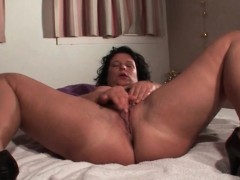 Mature Hottie Spreads Legs And Rubs Cunt