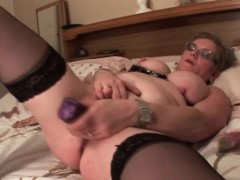 Mature Craving For Orgasm Uses Big Sex Toys
