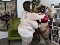 busty-ebony-slave-submits-to-mistress-lexxxi-luxe