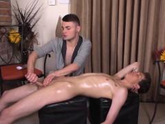 twink-amateur-massaged-with-handjob-masseur