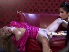 claudia-and-nessa-pleasure-their-orgasmic-snatches