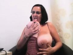Huge Tits Milf Cam Model