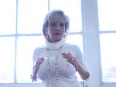 Unfaithful English Mature Lady Sonia Showcases Her Big Knock