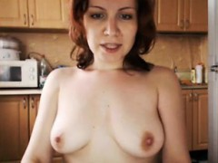skyping-from-the-kitchen-tania-live-on-720camscom