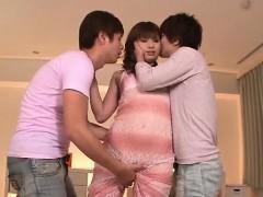 perfect threesome along sexy milf, mami yuuki