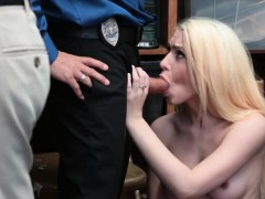 blondie bitch thief oral sex and cunt drilled by lp officer