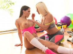 Busty lesbians gapping at the gym