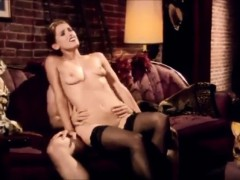 amazing slowmotion sex scene of mom getting trapped !!!