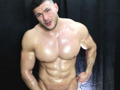 Muscle Worship Muscleman Oiled Up Cock Fun