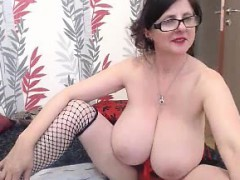 kimi mature massive boobs bouncing