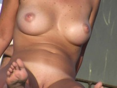 sexy-nudist-babes-do-many-things-on-the-nude-beach